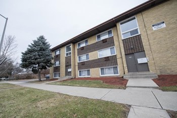 634 Sibley Blvd 1-2 Beds Apartment for Rent Photo Gallery 1