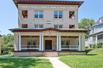 2210 Roslyn Ave 1-2 Beds Apartment for Rent Photo Gallery 1