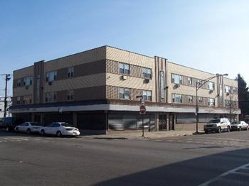 7101 S Artesian Ave 1-2 Beds Apartment for Rent Photo Gallery 1