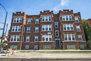 7055 S St Lawrence Ave 1-2 Beds Apartment for Rent Photo Gallery 1
