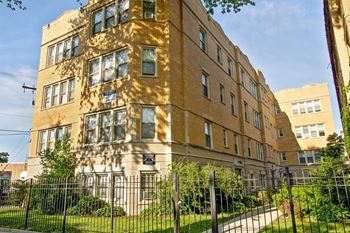 7915-19 S Hermitage Ave Studio-3 Beds Apartment for Rent Photo Gallery 1