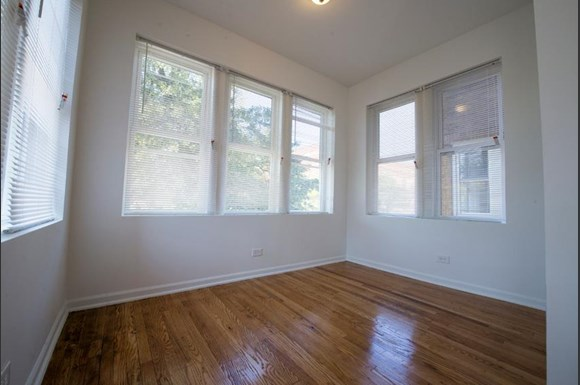 Humboldt Park Apartments in Chicago | 1357 N Homan Sun Room