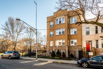 1249 S Fairfield Ave Studio-3 Beds Apartment for Rent Photo Gallery 1
