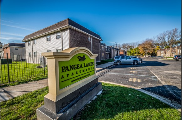 Pangea Lakes 13300 S Indiana Ave Apartments Chicago Exterior