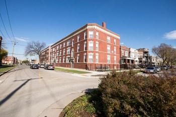 3454 W Lexington St 2-3 Beds Apartment for Rent Photo Gallery 1