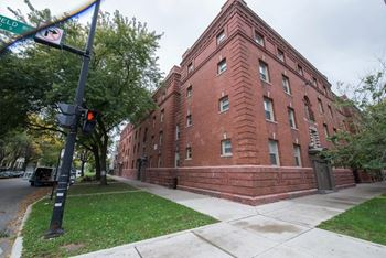 5504-12 S Wabash Ave 2-3 Beds Apartment for Rent Photo Gallery 1