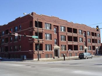 5901 S Michigan Ave 1-2 Beds Apartment for Rent Photo Gallery 1