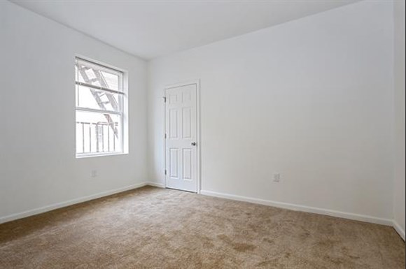 3407 Fairview Ave Apartments Baltimore Bedroom