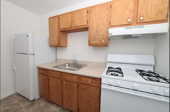 2601 Garrison Blvd Apartments Baltimore Kitchen
