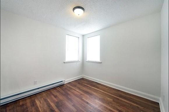 3909 Dolfield Ave Apartments Baltimore Bedroom