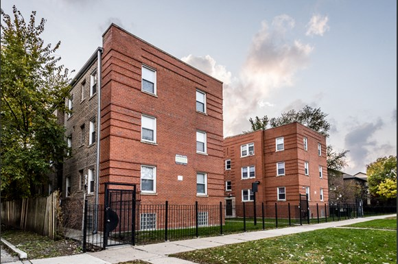 Washington Park apartments for rent in Chicago | 6125 S Wabash