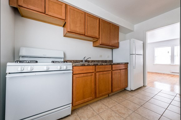 Washington Park apartments for rent in Chicago | 6125 S Wabash Kitchen