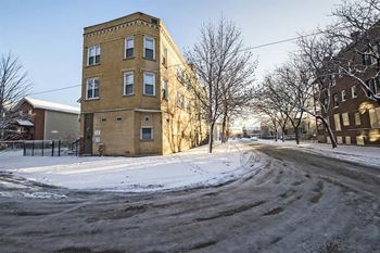 1257 S Christiana Ave 2-4 Beds Apartment for Rent Photo Gallery 1