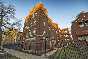 7229-33 S Yates Blvd Studio-2 Beds Apartment for Rent Photo Gallery 1