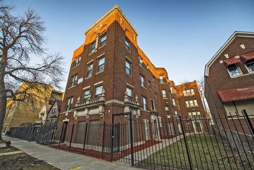 7229 S Yates Blvd Apartments Chicago Exterior