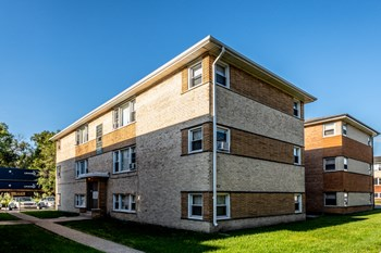 2066 W 135Th Pl 1-2 Beds Apartment for Rent Photo Gallery 1