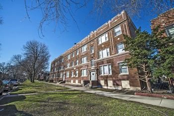 7120-32 S Wabash Ave 2 Beds Apartment for Rent Photo Gallery 1