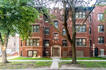 7801 S Cornell Ave 2-3 Beds Apartment for Rent Photo Gallery 1