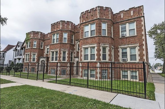 12000 S Eggleston Ave Apartments Chicago Exterior