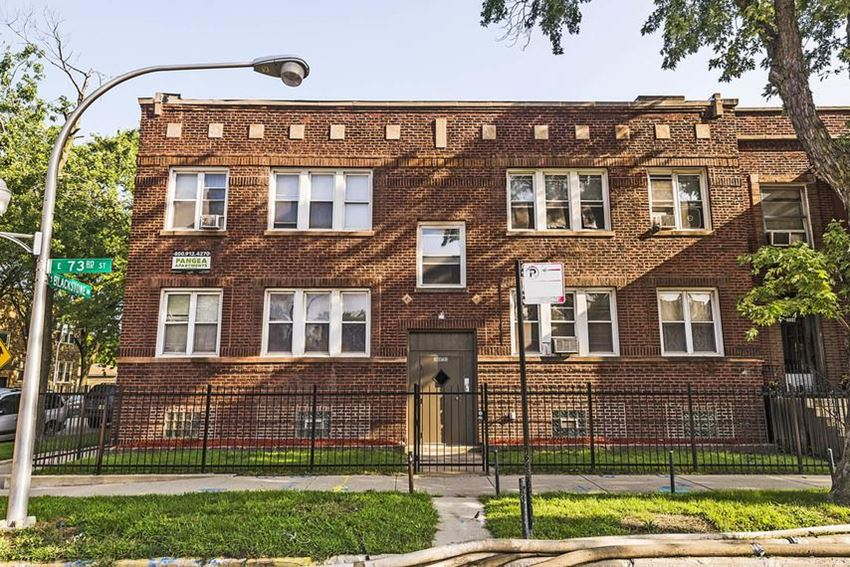 7249 S Blackstone Ave Apartments Chicago Exterior