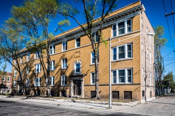7155 S Green St 2-3 Beds Apartment for Rent Photo Gallery 1