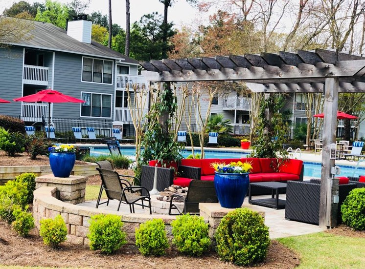 Cozy Outdoor Lounge at Woodland Hills