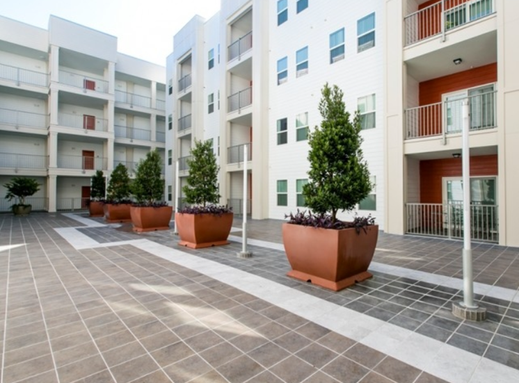 Lexington Court Apartments for rent in Downtown Orlando, FL. Make this community your new home or visit other Concord Rents communities at ConcordRents.com. Building exterior