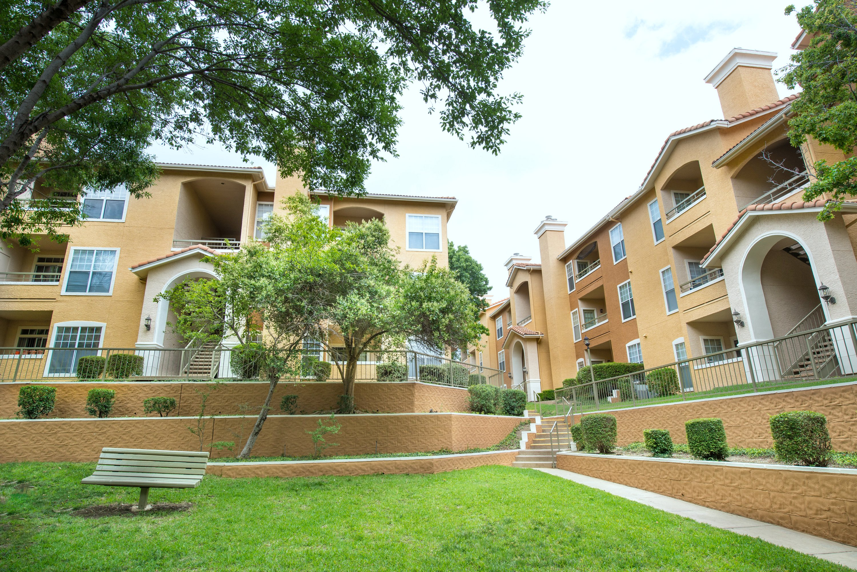 Rancho Mirage Apartments in Irving TX