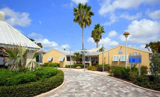 coral-club-apartments