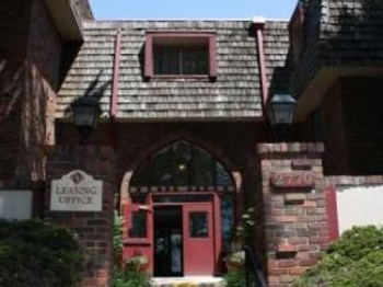2770 E UINTAH ST 1-3 Beds Apartment for Rent Photo Gallery 1