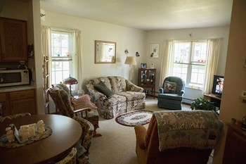 517 Sixth Street 1 Bed Apartment for Rent Photo Gallery 1