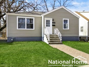 14622 Clifton Park Ave 4 Beds House for Rent Photo Gallery 1