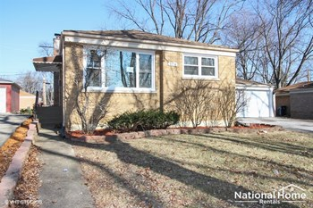 3914 213th Place 3 Beds House for Rent Photo Gallery 1