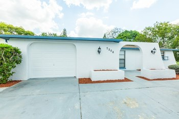 7206 San Moritz Dr 3 Beds House for Rent Photo Gallery 1