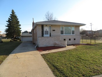 7801 174th Street 3 Beds House for Rent Photo Gallery 1