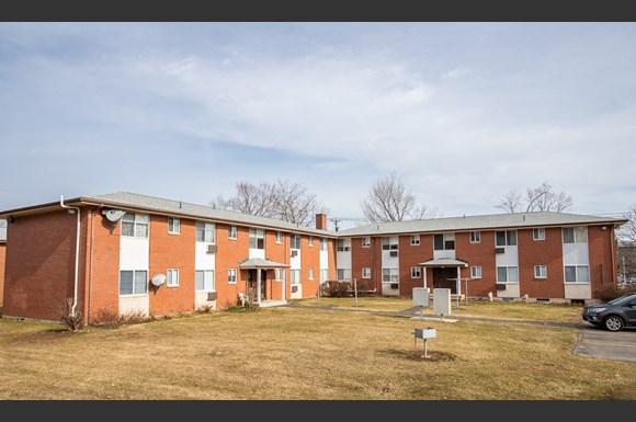 Crestwood Park I Apartments 105 Stoddard Drive Meriden Ct Rentcafe