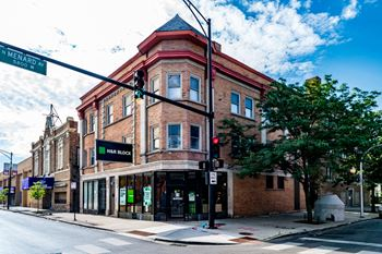 5749 W Chicago Ave 2-4 Beds Apartment for Rent Photo Gallery 1
