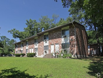 218 Surrey Drive 1-3 Beds Apartment for Rent Photo Gallery 1