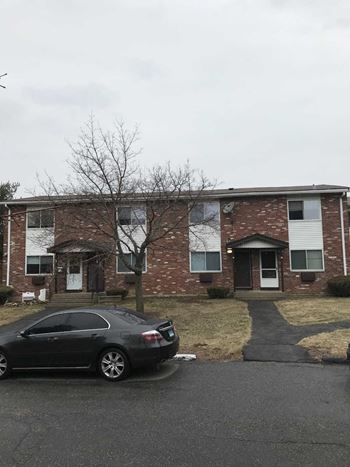1238 Hartford Tpke 2 Beds Apartment for Rent Photo Gallery 1