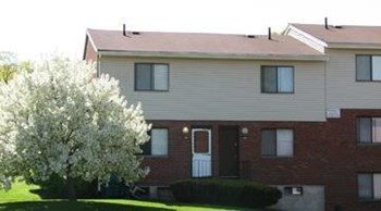 204 Winfield Drive 2-3 Beds Apartment for Rent Photo Gallery 1