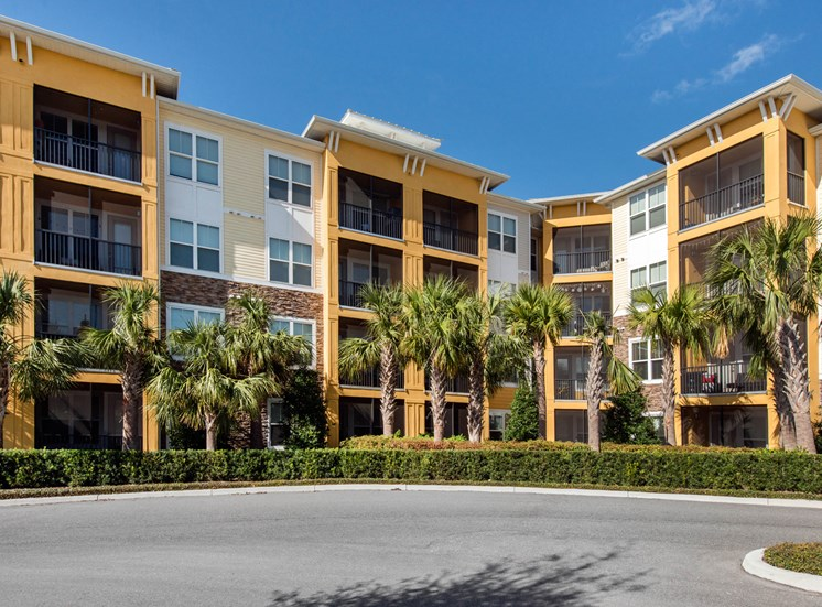 Modern Apartment Community at Lake Vue, 7119 Sand Lake Reserve Drive, Orlando, FL