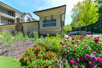 4011 Roswell Road 1-2 Beds Apartment for Rent Photo Gallery 1