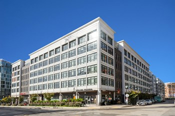 1240 4Th Street NE 1-2 Beds Apartment for Rent Photo Gallery 1