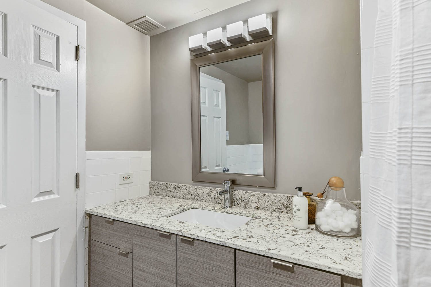 Custom Vanity Lighting at CityView on Meridian, Indiana,46208