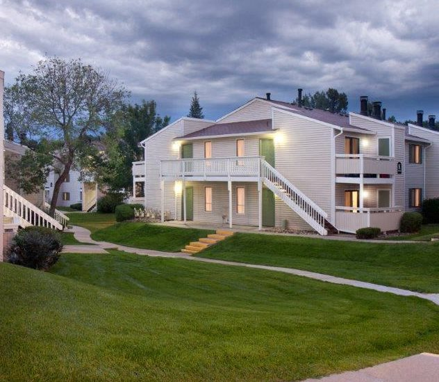 Spring Park Apartments: Apartments In Colorado Springs, CO