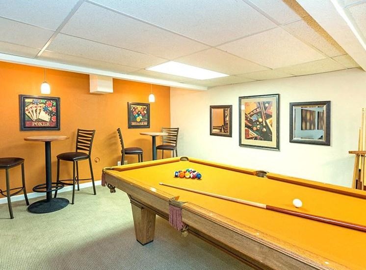 Highland Park game room.