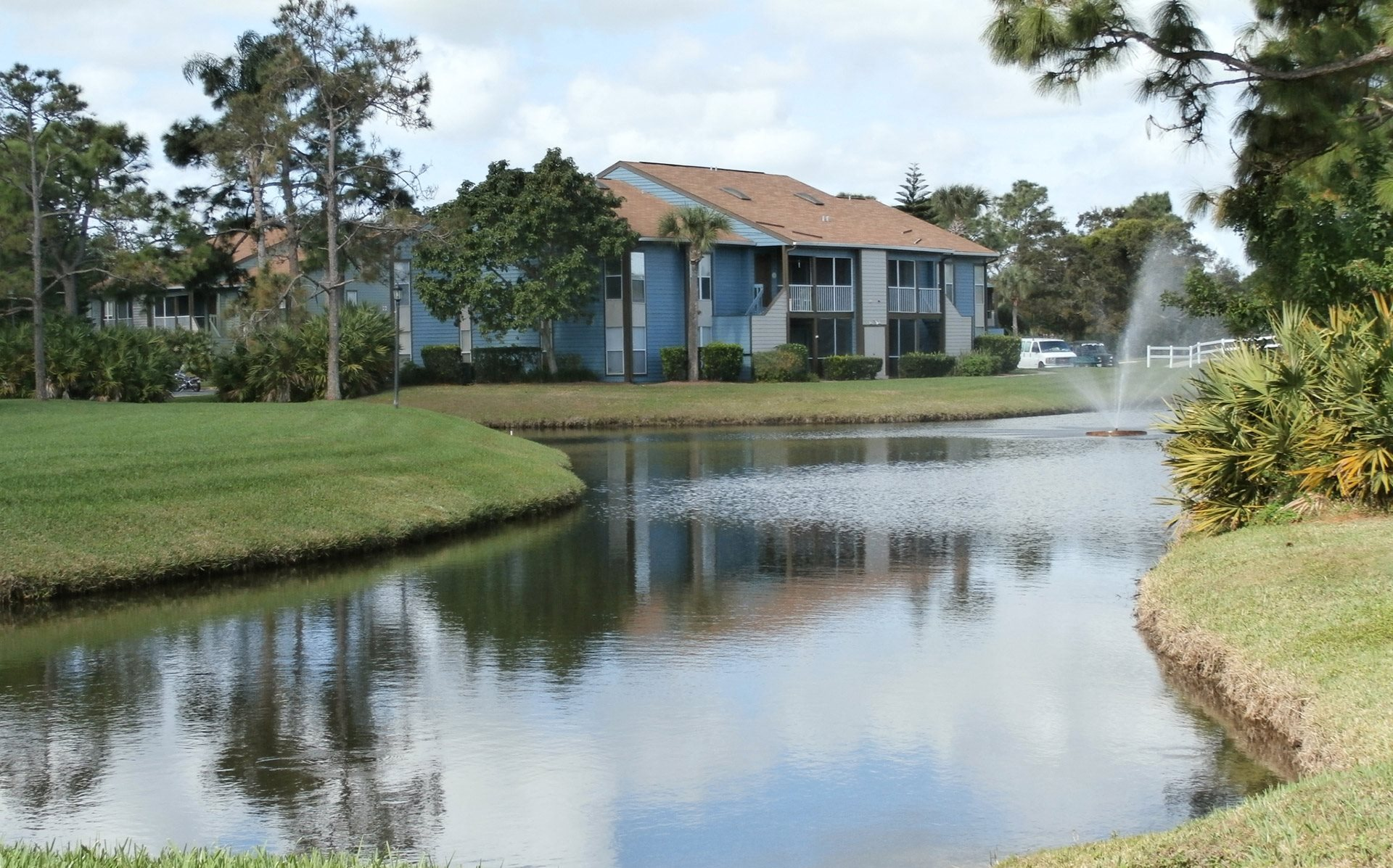Lake In The Woods Apartments In Melbourne Fl