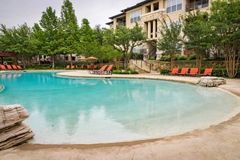 575 NE Loop 820 1-3 Beds Apartment for Rent Photo Gallery 1