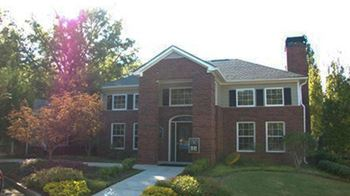 166 Greison Trail 2-3 Beds Apartment for Rent Photo Gallery 1