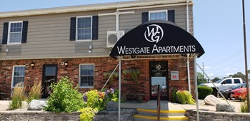 1600 West Bradley Avenue 1-2 Beds Apartment for Rent Photo Gallery 1